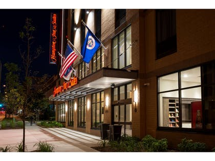 Exterior | Hampton Inn & Suites Minneapolis University Area