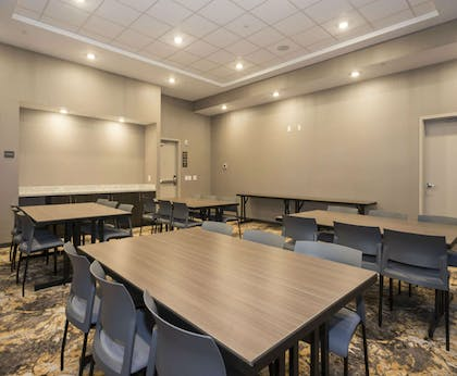 Meeting Room | Hampton Inn & Suites Minneapolis University Area