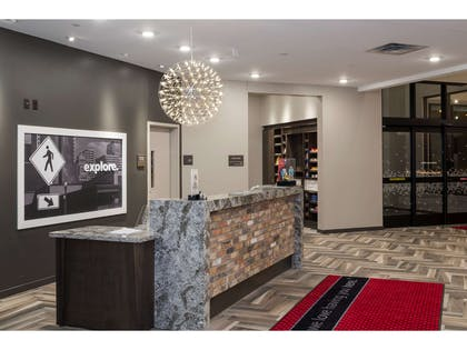 Reception | Hampton Inn & Suites Minneapolis University Area