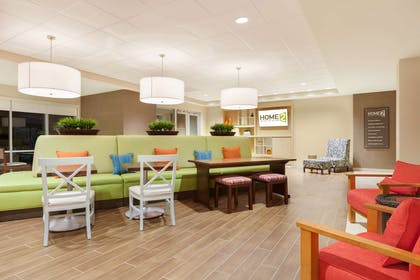 Lobby | Home2 Suites By Hilton Youngstown West - Austintown