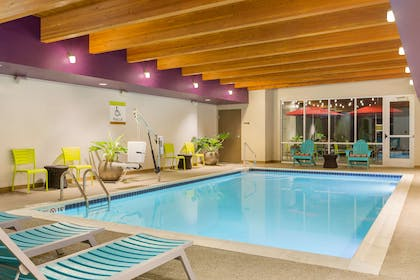 Pool | Home2 Suites By Hilton Youngstown West - Austintown