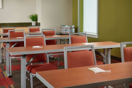 Meeting Room | Home2 Suites By Hilton Youngstown West - Austintown