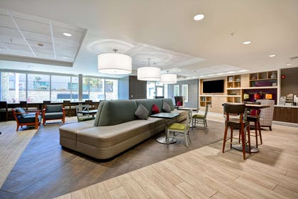 Lobby   Home2 Suites by Hilton Livermore