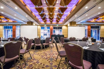 Meeting Room | Pier 5 Hotel Baltimore, Curio Collection by Hilton