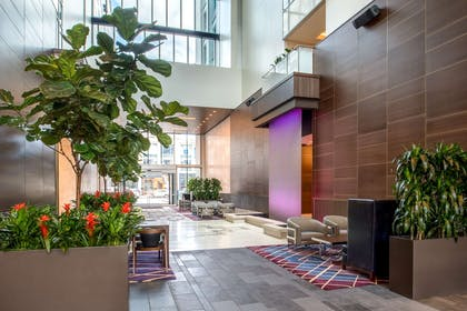 Lobby   Embassy Suites by Hilton Seattle Downtown Pioneer Square