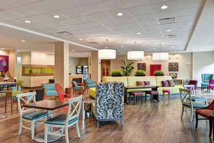 Lobby | Home2 Suites by Hilton Summerville