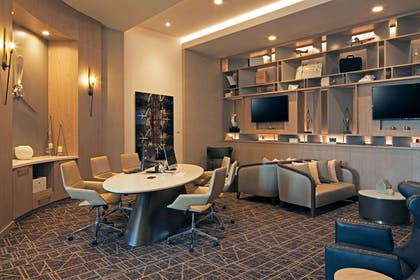 Business Center | H Hotel Los Angeles, Curio Collection by Hilton