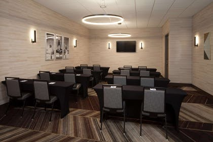 Meeting Room | H Hotel Los Angeles, Curio Collection by Hilton