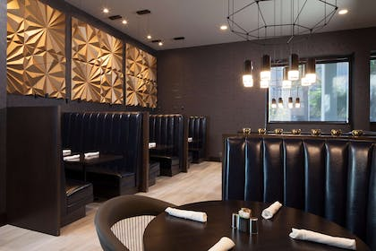 BarLounge | H Hotel Los Angeles, Curio Collection by Hilton