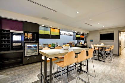 Restaurant | Home2 Suites by Hilton Charles Town