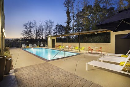 Pool | Home2 Suites by Hilton Oxford