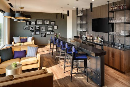 BarLounge | DoubleTree by Hilton Greeley at Lincoln Park
