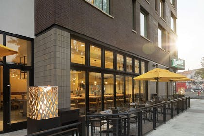 Restaurant | DoubleTree by Hilton Greeley at Lincoln Park