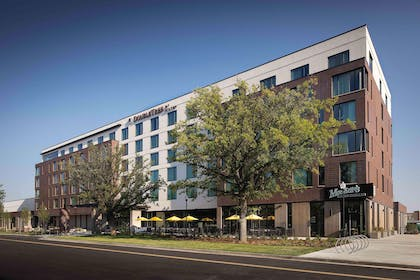 Exterior | DoubleTree by Hilton Greeley at Lincoln Park