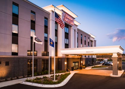 Exterior | Hampton Inn & Suites at Wisconsin Dells Lake Delton