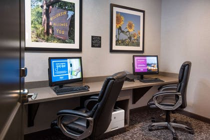 Business Center | Hampton Inn & Suites at Wisconsin Dells Lake Delton