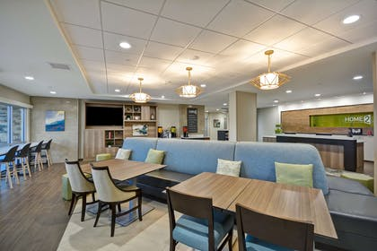Lobby | Home2 Suites By Hilton Maumee Toledo