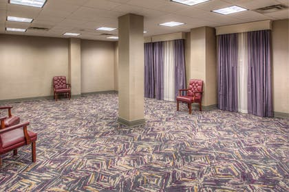 Meeting Room   DoubleTree by Hilton Utica