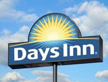 Welcome to the Days Inn and Suites Foley | Days Inn & Suites by Wyndham Foley
