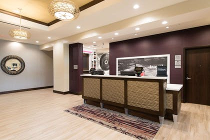 Reception | Hampton Inn & Suites Fayetteville