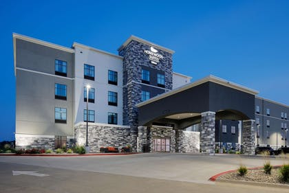 Exterior   Homewood Suites by Hilton Topeka