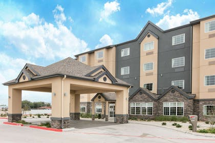 Exterior | Microtel Inn and Suites by Wyndham Lubbock