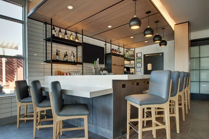 Bar Lounge | Hyatt House Oak Brook
