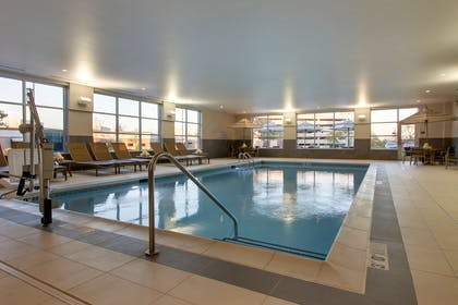 Pool | Hyatt House Oak Brook