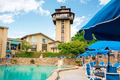 Hotel   Tanglewood Resort and Conference Center