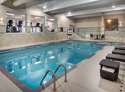Pool | DoubleTree by Hilton Toronto Airport