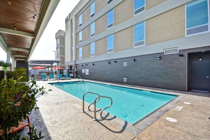 Pool | Home2 Suites by Hilton Hanford Lemoore