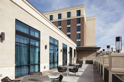 Exterior | Embassy Suites Amarillo Downtown