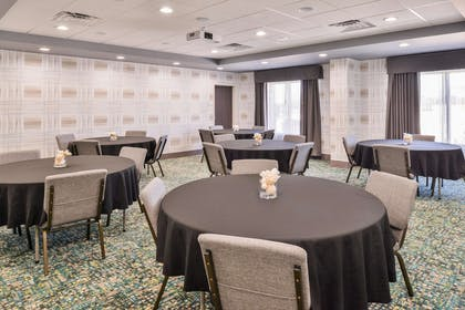 Meeting Room | Hampton Inn Emporia