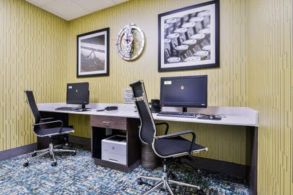 Business Center | Hampton Inn Emporia