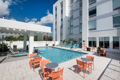 Pool   Home2 Suites by Hilton Ft. Lauderdale Airport-Cruise Port