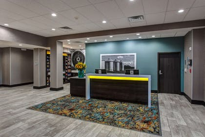 Reception | Hampton Inn & Suites-Wichita/Airport, KS