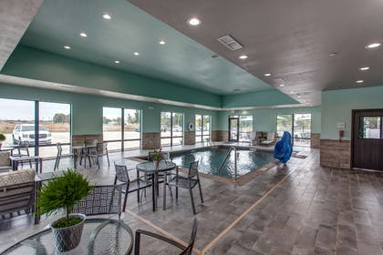 Pool | Hampton Inn & Suites-Wichita/Airport, KS
