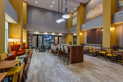 Restaurant | Hampton Inn & Suites-Wichita/Airport, KS