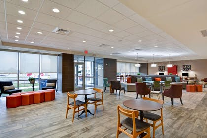 Lobby   Home2 Suites by Hilton Lafayette