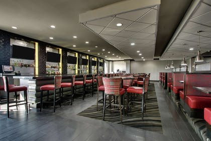 Restaurant | DoubleTree by Hilton Mt. Vernon