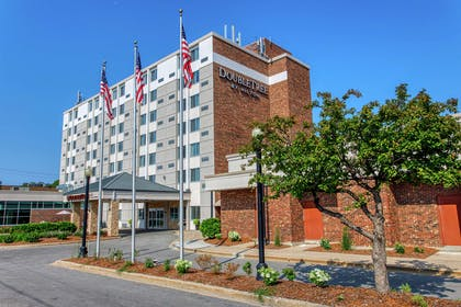 Exterior | DoubleTree by Hilton Neenah