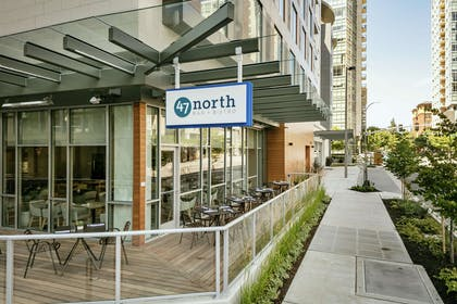 Restaurant | Hilton Garden Inn Seattle Bellevue Downtown