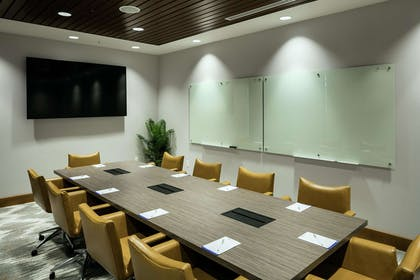 Meeting Room | Hilton Garden Inn Seattle Bellevue Downtown