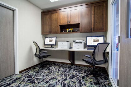 Business Center | Hilton Garden Inn Salina