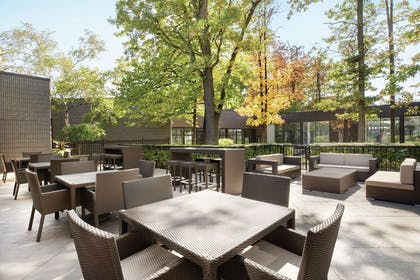 Exterior | DoubleTree by Hilton Toronto Airport West