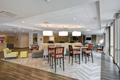 Lobby | Home2 Suites by Hilton Dallas Downtown at Baylor Scott & White