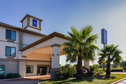 Front Exterior | Americas Best Value Inn & Suites Livingston