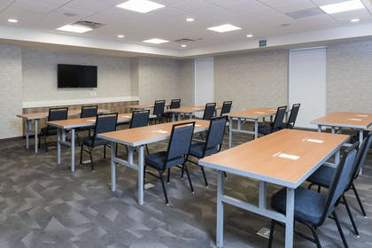 Meeting Room | Home2 Suites Hilton Louisville Downtown NuLu