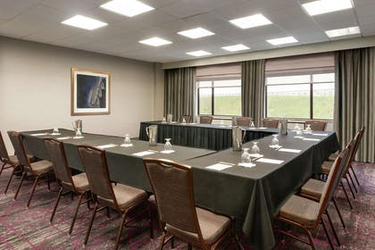 Meeting Room | DoubleTree by Hilton St. Paul East