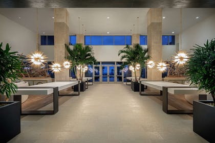 Lobby | Embassy Suites by Hilton St. Augustine Beach Oceanfront Resort